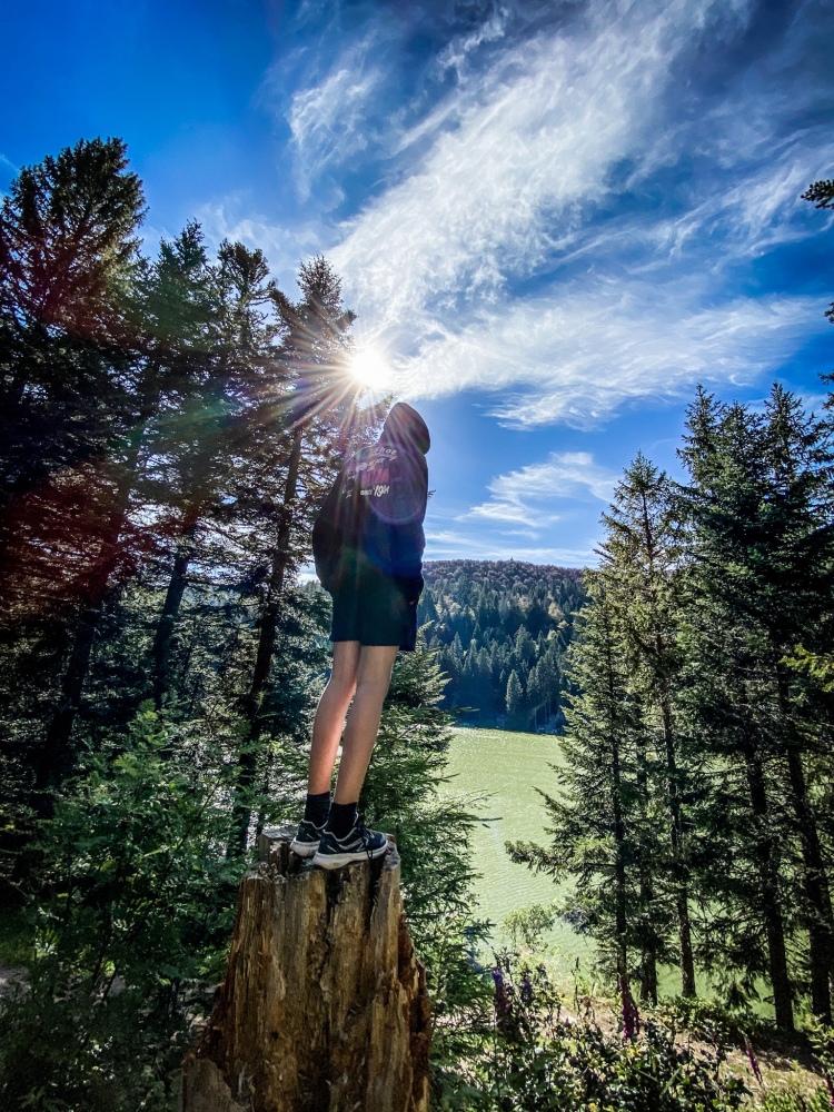 On prend de la hauteur en quittant le lac Vert / Crédit photo - Pierrick Aubert